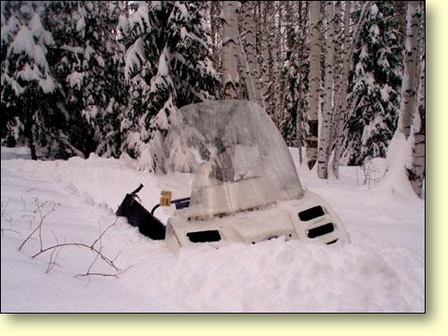 Буран в снегу